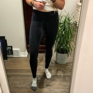 Black Wunder Under Lululemon Leggings, Size 4